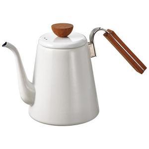 注ぎ口の細いドリップケトルはお湯の量やスピードがコントロールしやすく、おいしいコーヒーを淹れるのに役...
