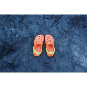 砂浜のサンダルポストカード|photoroom-g