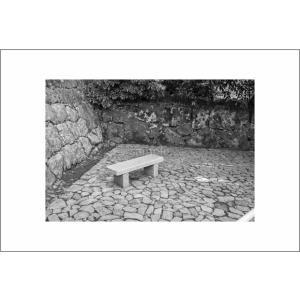 石の椅子のポストカード|photoroom-g