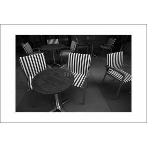 椅子のある風景モノクロポストカード|photoroom-g
