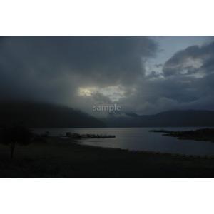 湖(本栖湖)・山間の雲ポストカード|photoroom-g