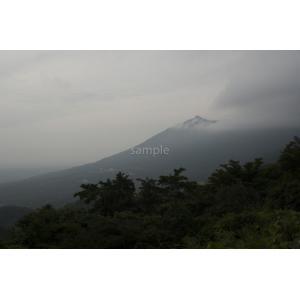 雲に覆われる筑波山ポストカード|photoroom-g