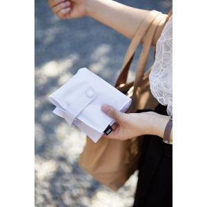 ティッシュケース ホワイト ブラック タワー 携帯用 コンパクト 掛けられる マスクケース