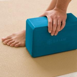 ヨガブロックGaiam Yoga Block - Supportive Latex-Free EVA Foam Soft Non-Slip Surface for Yoga, Pilates, Meditation, Blue Teal