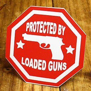 ステッカー 車 アメリカン おしゃれ バイク ヘルメット かっこいい ピストル 拳銃 PROTECTED BY LOADED GUNS メール便OK_SC-004-GEN|planfirst