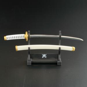 """ロロノア・ゾロの刀""""和道一文字""""を模したペーパーナイフ。"""