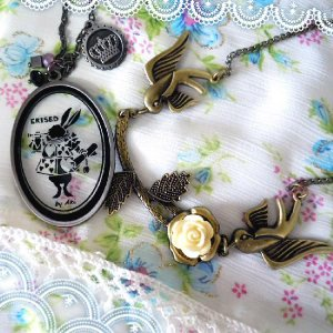 2着で5千円送料無料ネックレスミステリアスモチーフの小鳥と薔薇ガラスの時計ウサギ不思議の国のアリス|plasticanetshop