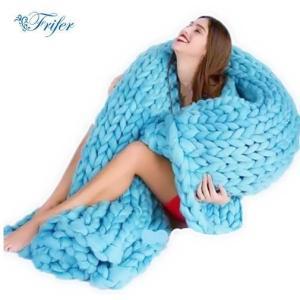 かわいい ブランケット 極太ニット 編み毛布 暖かい 北欧 おしゃれ ひざ掛け 大判 もこもこ オフ...