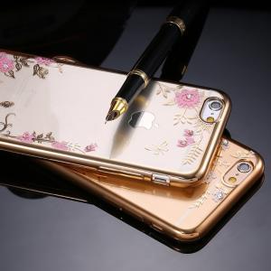 iPhone 7 Plus カバー「ソフトPU 花柄+ストーン(エレガント・キッチュ)」 アイフォン スマホケース 送料無料(海外から直送)