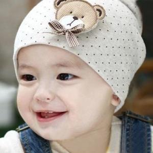 くまちゃんのアップリケが可愛い赤ちゃん用のビーニー  【サイズについて】 平置き:頭囲約35cm・長...
