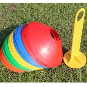 陸上、サッカー、フットサル、野球、バスケットなど、 様々なスポーツでの練習時の目印に◎のマーカーコー...