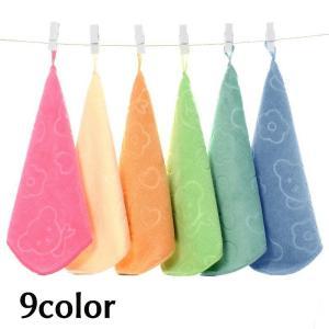 ループ付きの可愛いクマのハンドタオルになります。 普段使用から幼稚園や保育園などのお手拭きタオルにも...