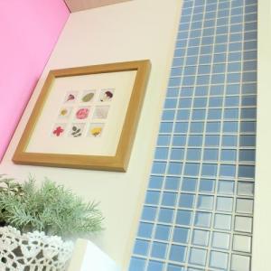 モザイクタイルステッカー ハルちゃん ガラス 25角(15×15cmシート) ライトブルー|pocchione-kabegami