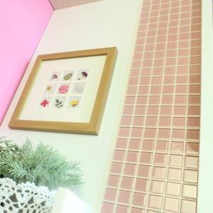 モザイクタイルステッカー ハルちゃん ガラス 25角(15×15cmシート) ピンク|pocchione-kabegami