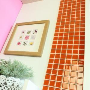 モザイクタイルステッカー ハルちゃん ガラス 25角(15×15cmシート) オレンジ|pocchione-kabegami