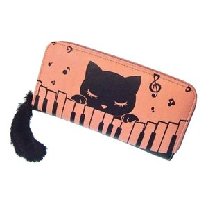 猫のプーちゃん - 尻尾がキュート 鍵盤柄ファスナー長財布(ピンク)