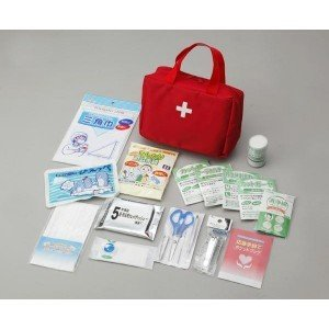 いざというときの救急セット。ケガをしたとき・熱が出たときなどの、応急手当てに!! 製造国:日本、中国...