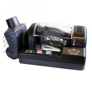 焙煎ドラムが耐熱ガラス製の、焙煎具合が視認可能な電動焙煎機です。最大250度の熱風によるロースティン...