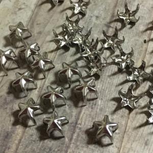 爪折り式 星スタッズ小 シルバー 30個セット|pod-material