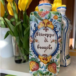 Fragolino Hand paint (Strawberry bottle) |polkadot