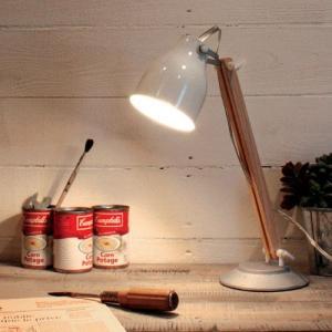 木のぬくもりが感じられる北欧テイストのデザイン 持ち運び便利 小型 ミニランプ ファルン デスクランプ  DI CLASSE(ディクラッセ) potarico