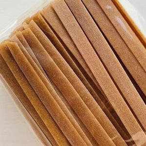 ファッロ小麦は、イタリア国内産で、無肥料・農薬不使用です。太麺で濃厚ソースによく合います。 ゆで時間...