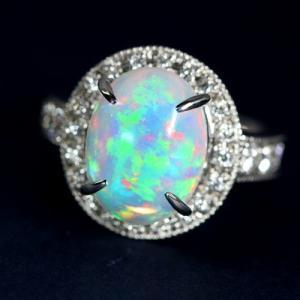 エチオピア産ウェロオパール3.2ct ダイヤモンド0.57ct プラチナ リング(指輪)【品質保証書/宝石鑑別書付】 premium-outlet