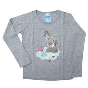 ケアベアの長袖Tシャツです。薄めのスウェット素材なので、秋冬に活躍しそう。ケアベアのビンテージ風プリ...