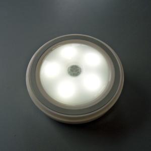 クローゼット、シューズボックスに最適! 電池式 人感&明るさセンサー付き LEDポータブルライト|pro-tecta-shop
