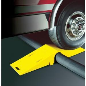 (代引き不可)CHECKERS社 ホースブリッジ 大径用 タイヤ片輪のみ耐荷重 7,754KG(UHB5060)|protools