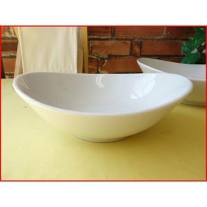 ソフトオーバル20cmサラダボール/白い食器 カフェ食器 取り鉢 中鉢 盛り鉢 陶器 ボウル\|puchiecho