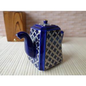 (訳あり)鮮やかな瑠璃色の七宝文様醤油差し(大)(アウトレット 陶器 醤油さし しょうゆ差し しょうゆさし 調味料入れ 日本製 美濃焼 卓上)|puchiecho