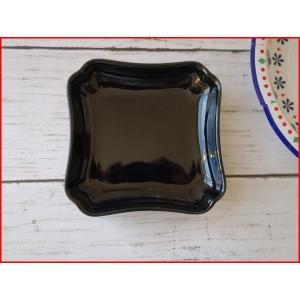 艶やかな黒色の9cm四角ミニトレー/小物入れ/かわいい おしゃれ 小皿 豆皿  陶器 ティーパックトレイ 北欧風\ puchiecho