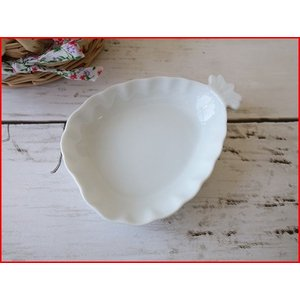 高級白磁材質!パイナップルの形をした10cmプチトレー/小物入れ/かわいい おしゃれ 小皿 豆皿  陶器 ティーパックトレイ 白い食器\ puchiecho