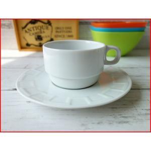 スタッキングコーヒーカップ&おしゃれなレリーフ付きソーサー(白 業務用 陶器 おしゃれ 美濃焼 ティーカップ 北欧風 日本製)|puchiecho