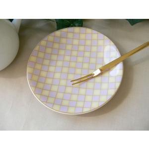 ピンクとベージュのチェック柄14cmパン皿/インスタ映え かわいい小皿 丸皿 取り皿 小皿 カフェ食器 おしゃれ ケーキ皿|puchiecho