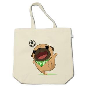 カラー他選べる サッカーをするパグ(フォーン) コットントートバッグ(ぱぐ グッズ)|pugbiiki