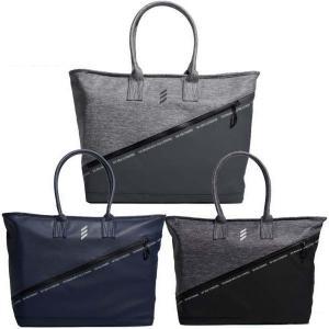 大切な持ち物をスマートに運ぶ、品の良いバッグ。 クラブハウスへの移動時に持つバッグも、スタイルにこだ...