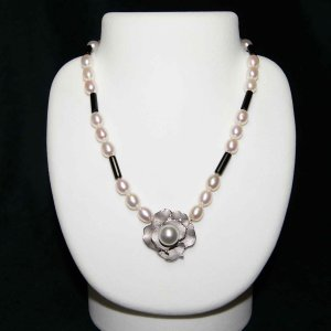 ネックレス 薔薇 バラモチーフ 南洋真珠  ジュエリー   パワーストーン   プレゼント  妻 シルバー|purotango