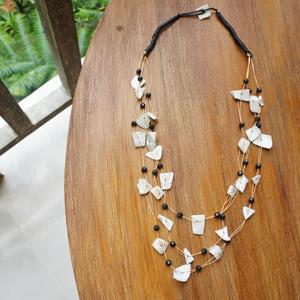 バリ製貝殻とビーズのネックレス/ブラック|putihbali