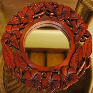 バリ製丸形木彫りのレリーフ (フランジパニミラー)|putihbali