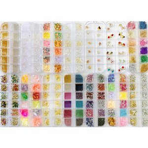 ネイルアートやデコ、レジンにお使いいただける、パーツの14種類セットです。 通常の丸いタイプのケース...