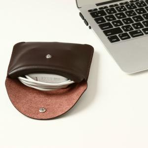 電源アダプタ/電源ケーブル 収納ポーチ MacBook 対応(ブラウン・M)|qolca