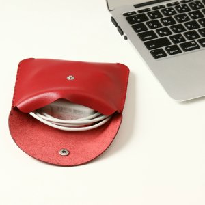 電源アダプタ/電源ケーブル 収納ポーチ MacBook 対応(レッド・M)|qolca