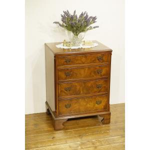 英国イギリスアンティーク家具 杢目の綺麗なチェスト ウォールナット 猫脚 8304 qs-antiques
