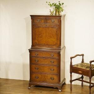 英国イギリスアンティーク家具 珍しいライティングビューロー付きチェスト きれいな杢目 デスク 8376|qs-antiques
