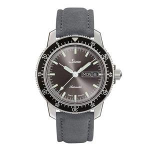 国内正規品 Sinn ジン 自動巻き メンズ腕時計 アルカンターラストラップ 104.ST.SA.I.A   quelleheure-1