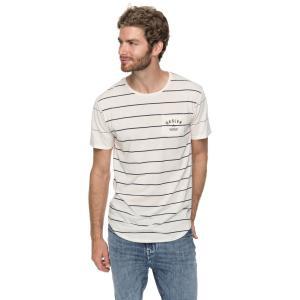 胸元に入ったロゴがアクセントのTシャツ。ゆったりとしたシルエットでストレスフリーな着心地を楽しめます...