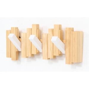 ウォールハンガー おしゃれ ハンガーラック 木製 コートハンガー 子供 頑丈 玄関 3連 壁 壁掛け フック ホワイト コート 折りたたみの写真
