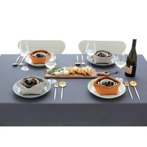 テーブルクロス ブルーミング中西 デリシャスカラー 撥水加工 (日本製) 長方形 無地 洗濯機で洗える 4人用テーブル向け ムール (グレー|r-ainet